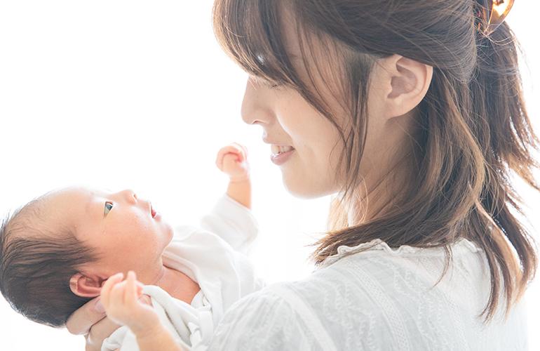 お母さんと赤ちゃんイメージ